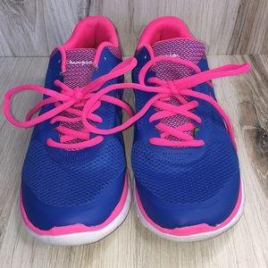 66b90a59f9f9d Champion memory foam sneakers